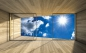 Mobile Preview: Vlies Fototapete 1767 - Himmel Tapete Raum Ausblick Scheibe Himmel Holz Holzboden Holzwand Laminat blau