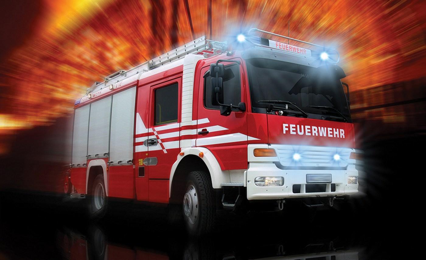 Vlies Fototapete 2242 - Autos Tapete Feuerwehr Feuerwehrauto Auto Blaulicht  rot